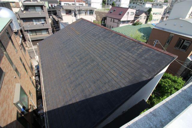 屋根工事が必要な住宅の屋根